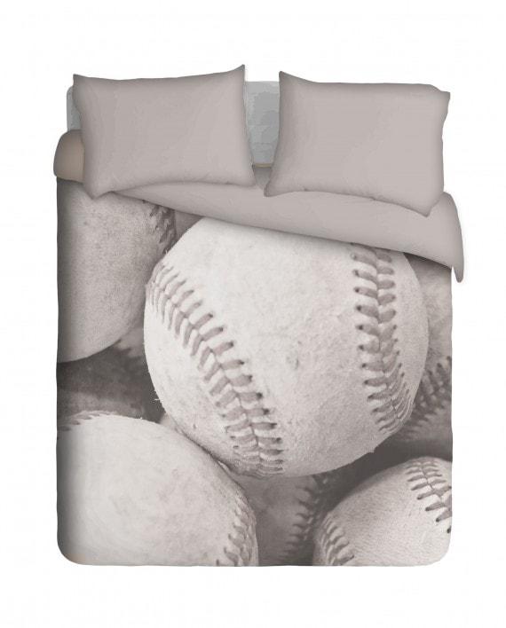 SBB002BW---Lots-of-baseball-(bed)-bnw